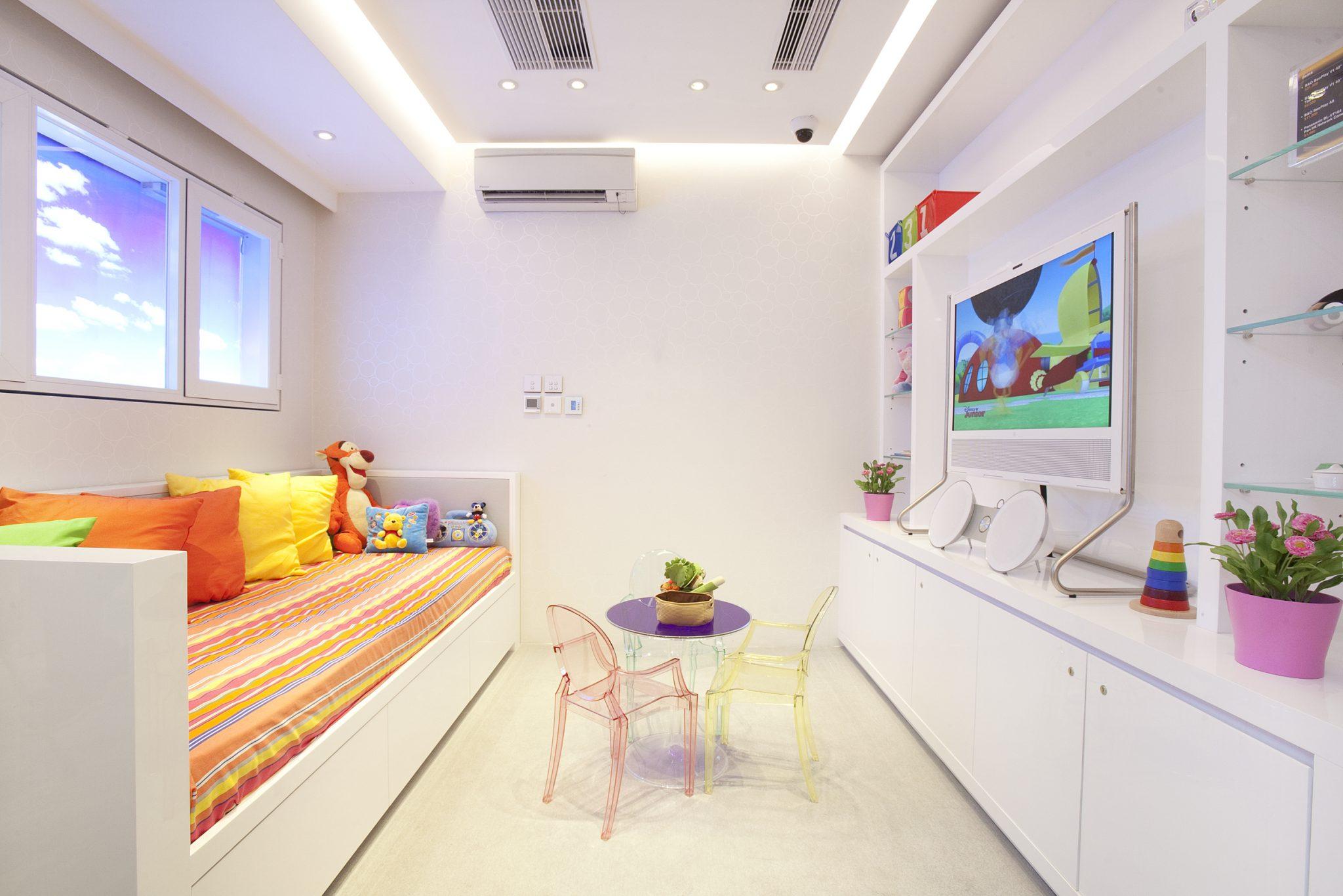 pccw hkt signature store central clifton leung design workshop. Black Bedroom Furniture Sets. Home Design Ideas