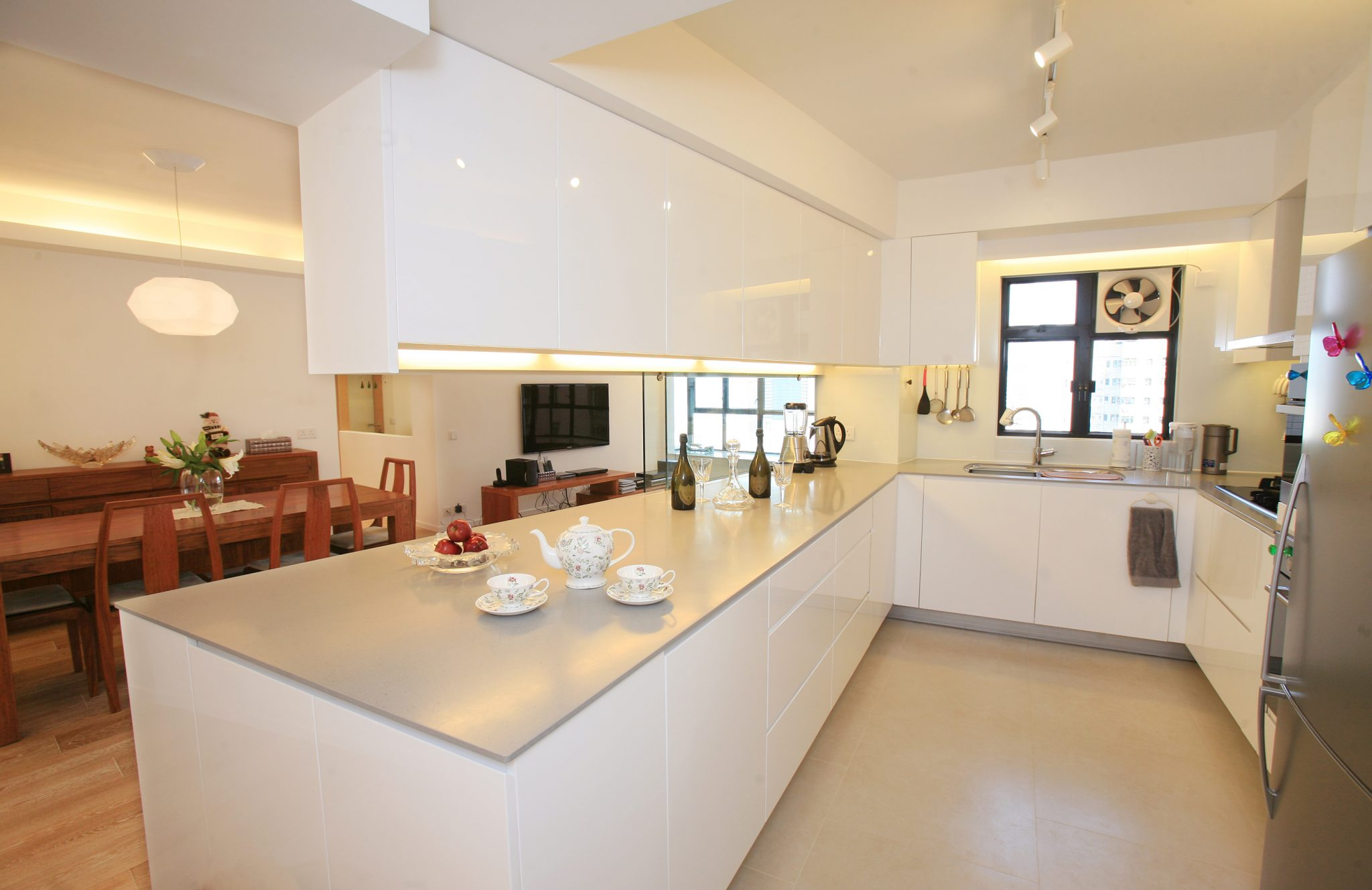 With Emphasis In Ergonomics The Newly Designed Kitchen Not Only Makes Cooking A Great Fun It Also Creates