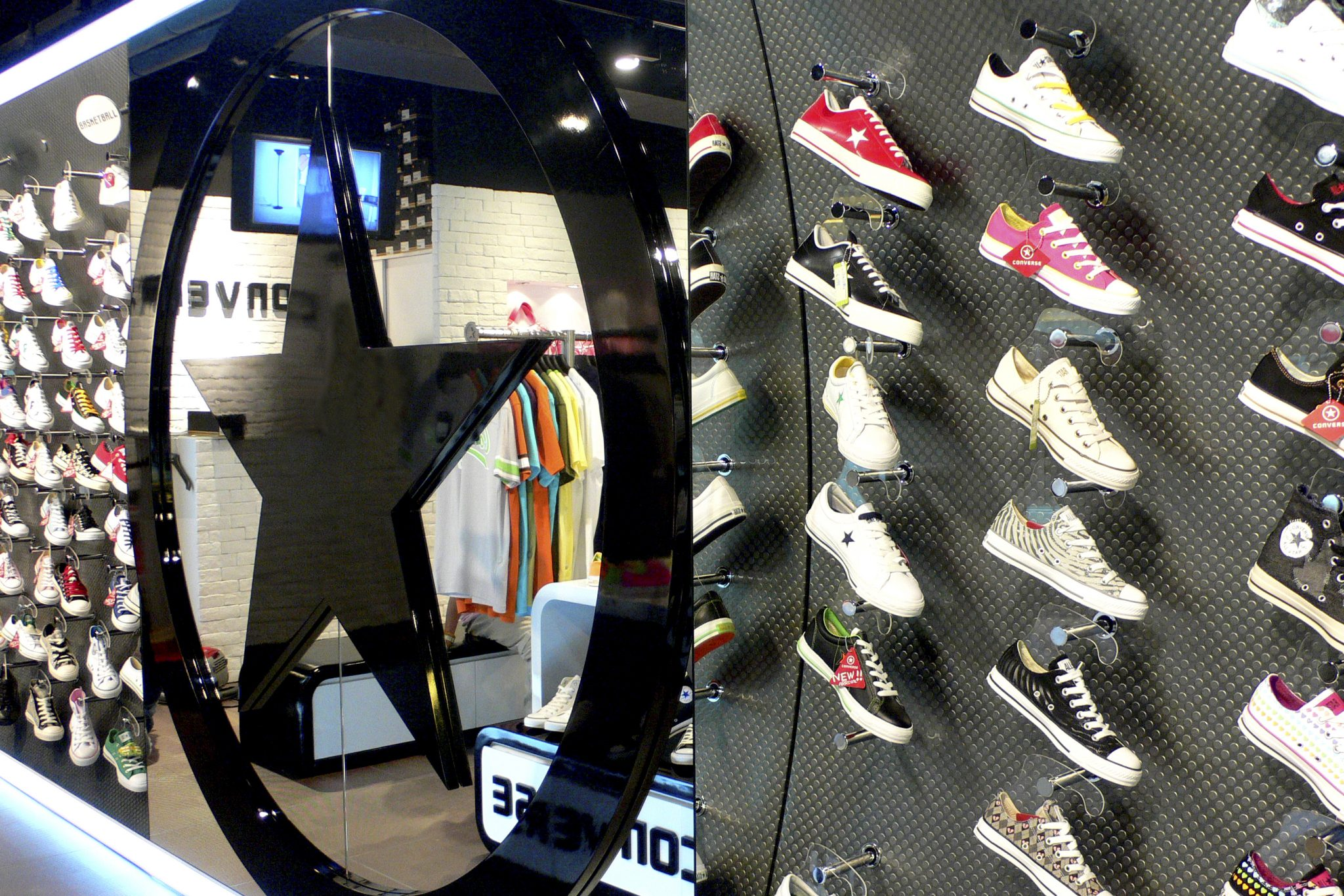 Converse Retail Store – New Town Plaza, Shatin